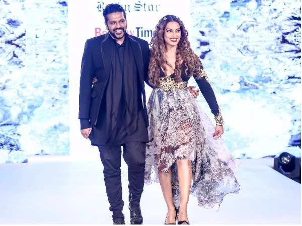 Bipasha Basu walks the ramp for Rocky Star at Bombay Times Fashion Week