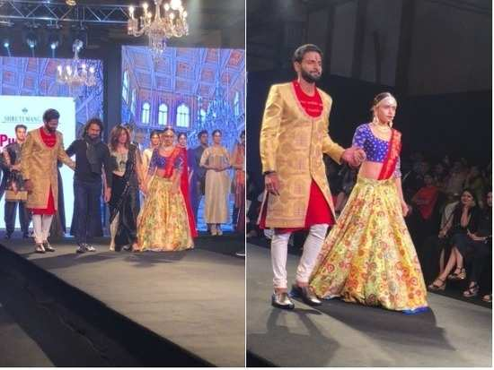 Shruti Mangaaysh enthrall with their beautiful collection at Pune Times Fashion Week