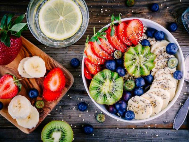 A healthy breakfast makes you feel full for longer and prevents you from binge-eating