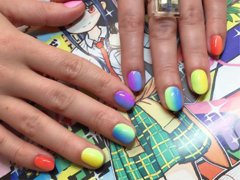 Mismatched nails: The nail trend that will make you look party-ready all-day!