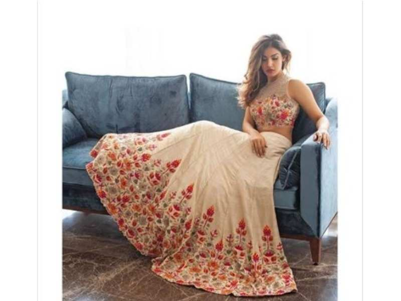 Check out these fabulous floral designer lehengas