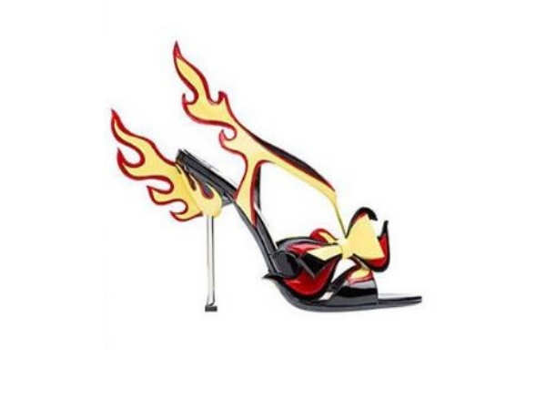 0756cc84594 Kangana Ranaut's Prada heels have flames shooting out the back ...