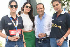 Powerboating race sees a fun finale in Mumbai!