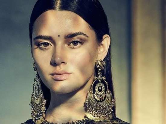 52d68ef798 Sabyasachi Mukherjee's latest jewellery line makes for the perfect way to  punctuate your bridal look!