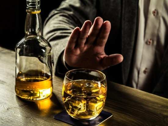Alcohol affects the brain even weeks after quitting: study