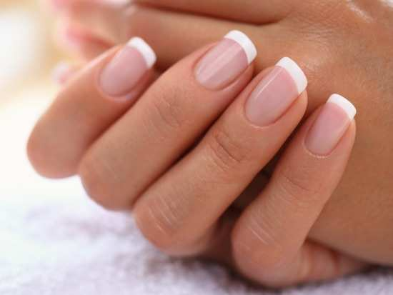 DIY remedy to treat brittle nails - Misskyra.com