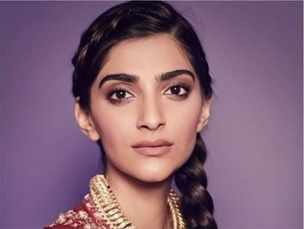 Sonam Kapoor goes the desi way with this latest ensemble